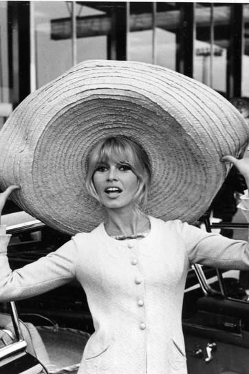 cappello-oversize-di-brigitte-bardot